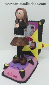 Aitana quiso mostrar su faceta de cantante junto con los personajes de la serie Violeta