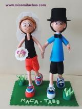 A Maca y Tabo, sus amigos le regalaron esta figura que los representan practicando running.